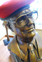 Bronze Bust of Palmer College of Chiropractic alum Bill Harris